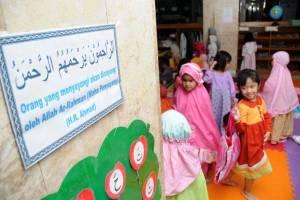 6.-masjid-penuh-oleh-anak